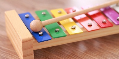 Avviso per la selezione di un progetto di qualificazione servizi 0/6 per la realizzazione di percorsi educativi musicali per bambini, operatori e famiglie